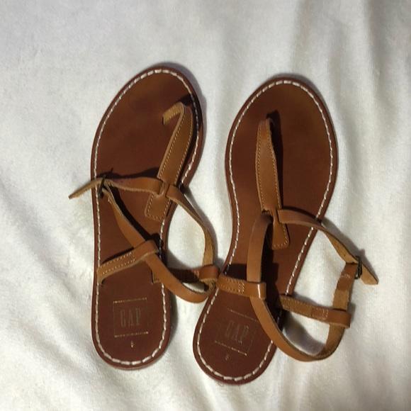 9bfb6d82b2737 GAP Shoes - Gap Thong Sandals Size 8